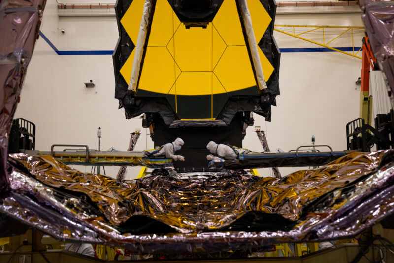 """Read more about the article James Webb Space Telescope will """"absolutely"""" not launch in March"""