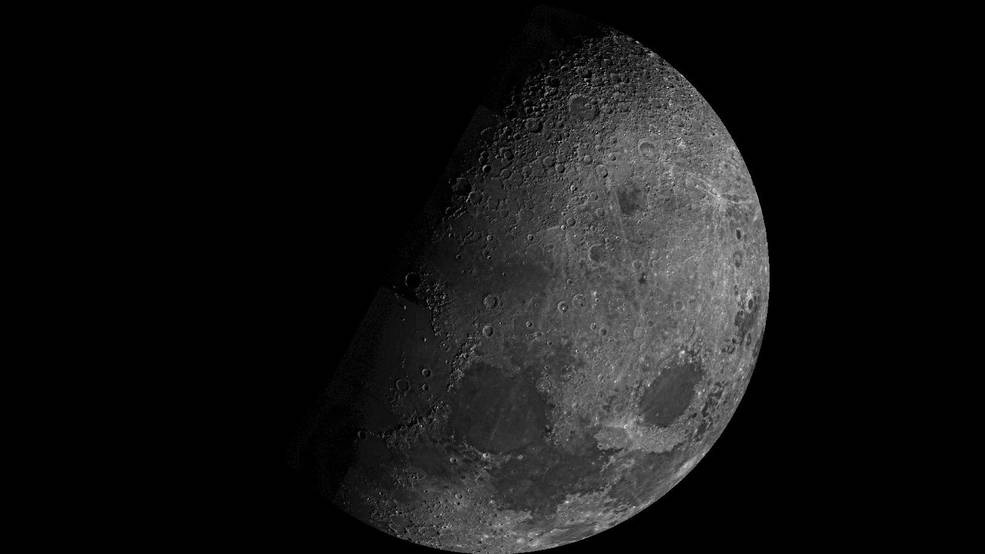 Read more about the article The Moon Is Rusting, and Researchers Want to Know Why